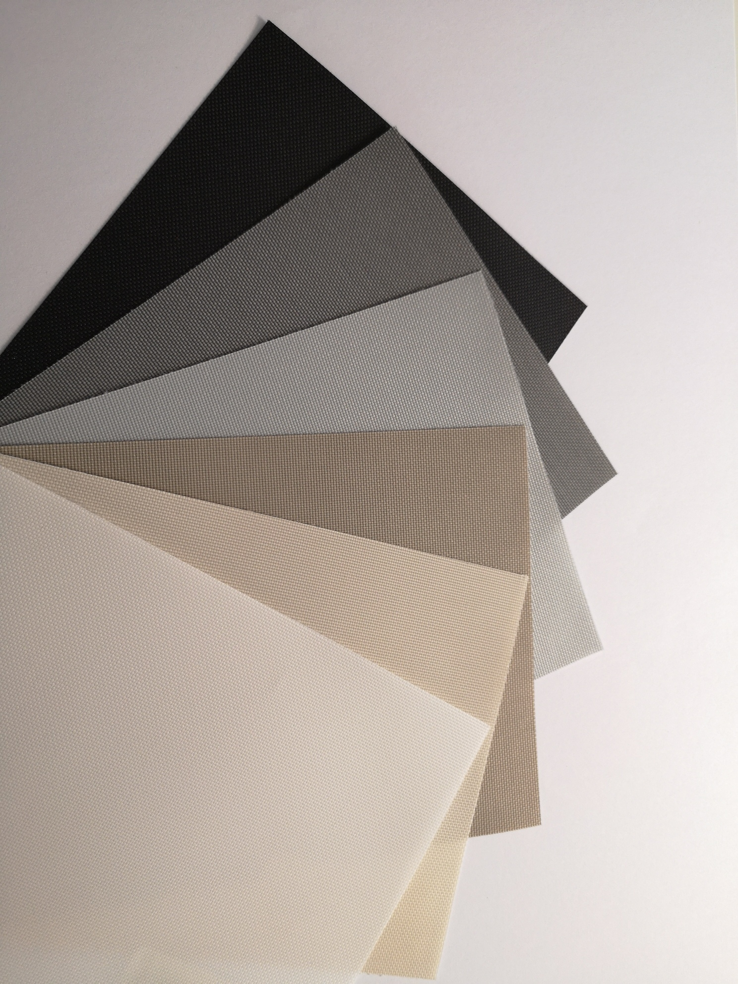 balkonschutz f r jedes gel nder und jeden geschmack von ombra. Black Bedroom Furniture Sets. Home Design Ideas